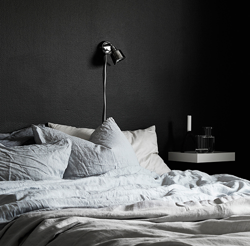 chambre chambre a coucher gris et noir 1000 id es sur. Black Bedroom Furniture Sets. Home Design Ideas