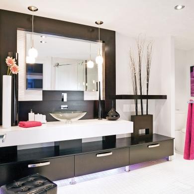 Salle de bain chic et pur e salle de bain - Salle de bain noir et rose ...