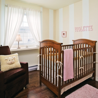 Chambre de b b tout en douceur chambre inspirations for Toute petite chambre bebe