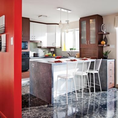 Placage r ussi dans la cuisine cuisine avant apr s for Placage armoire cuisine