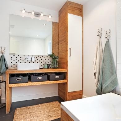 salle de bain rustique scandinave salle de bain inspirations d coration et r novation. Black Bedroom Furniture Sets. Home Design Ideas