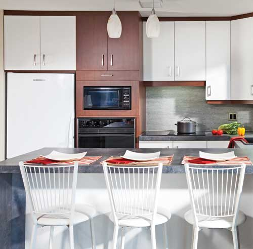 Armoires de cuisine armoire cuisine melamine transformation also armoires d - Revamper armoire melamine ...