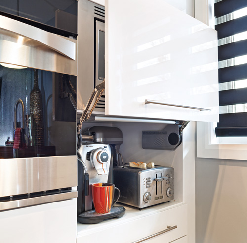 10 solutions fut es pour une cuisine bien rang e trucs for Amenagement armoire cuisine