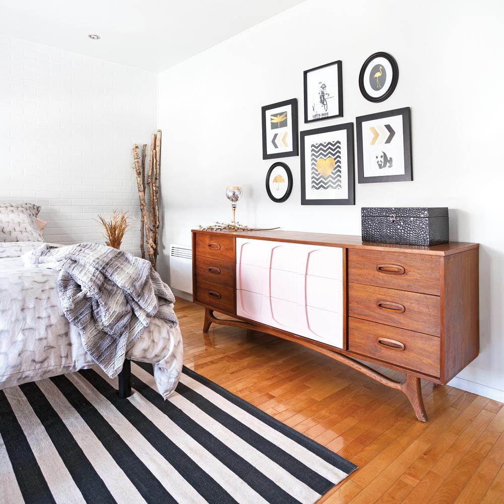 Chambre r tro scandinave transform e pour 800 chambre for Renovation chambre a coucher