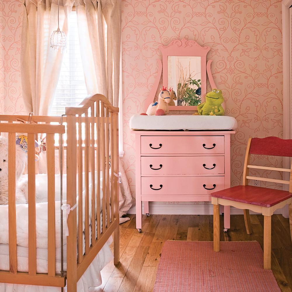 Chambre pour petite princesse chambre inspirations d coration et r novation pratico pratique for Petite table pour chambre