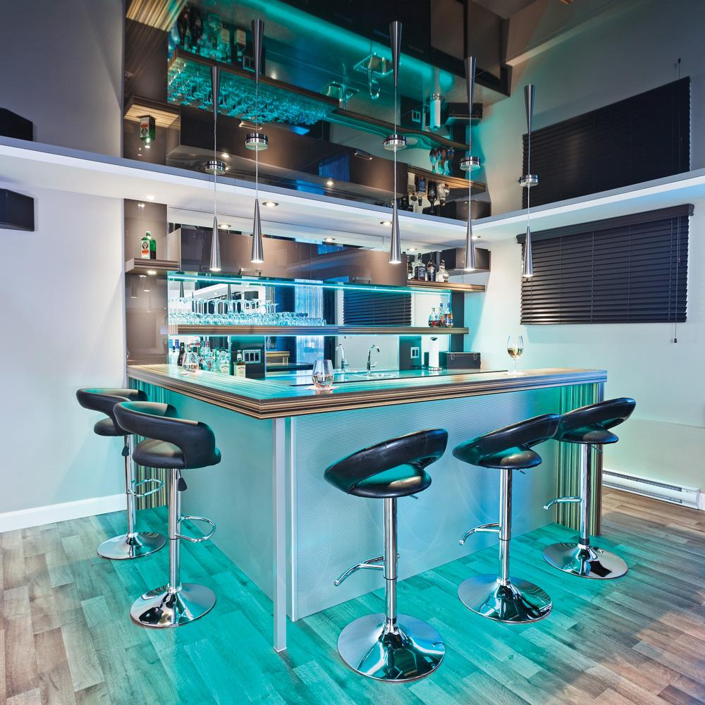 un vrai sous sol de gars sous sol inspirations. Black Bedroom Furniture Sets. Home Design Ideas