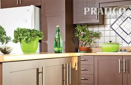 Une cuisine transform e au naturel cuisine avant apr s for Moulure armoire cuisine