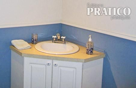 Salle de bain clatante de style salle de bain avant - Meuble en coin salle de bain ...