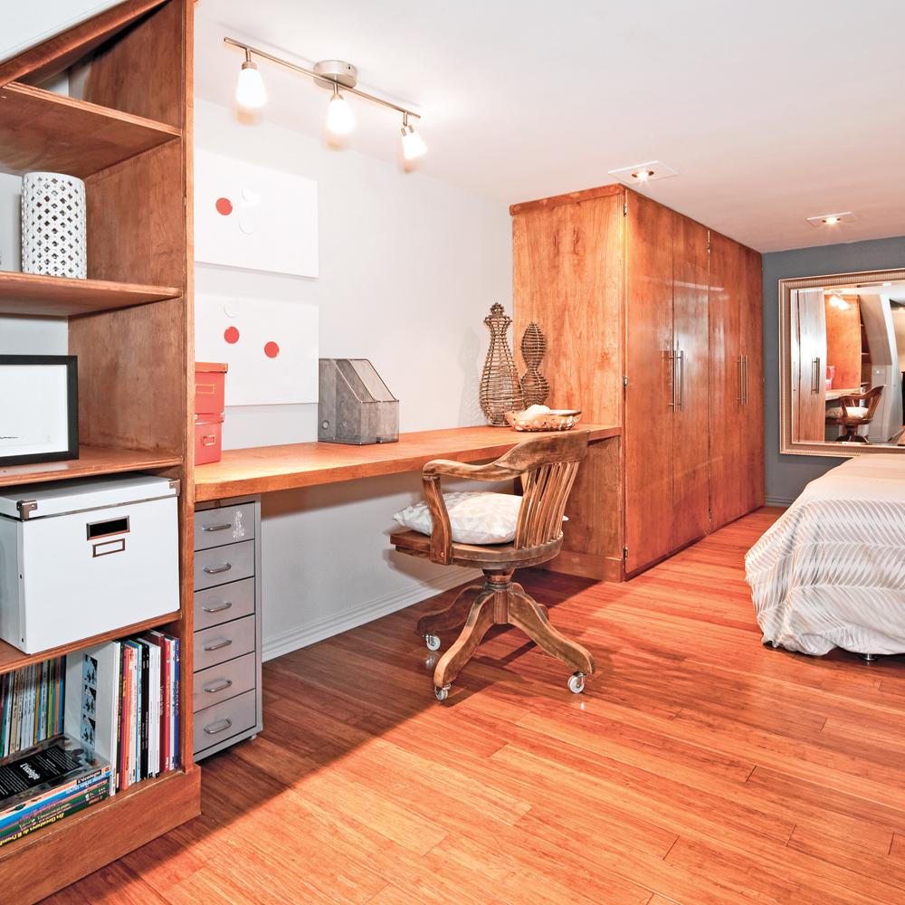 bois chaleureux pour le bureau bureau inspirations d coration et r novation pratico pratique. Black Bedroom Furniture Sets. Home Design Ideas