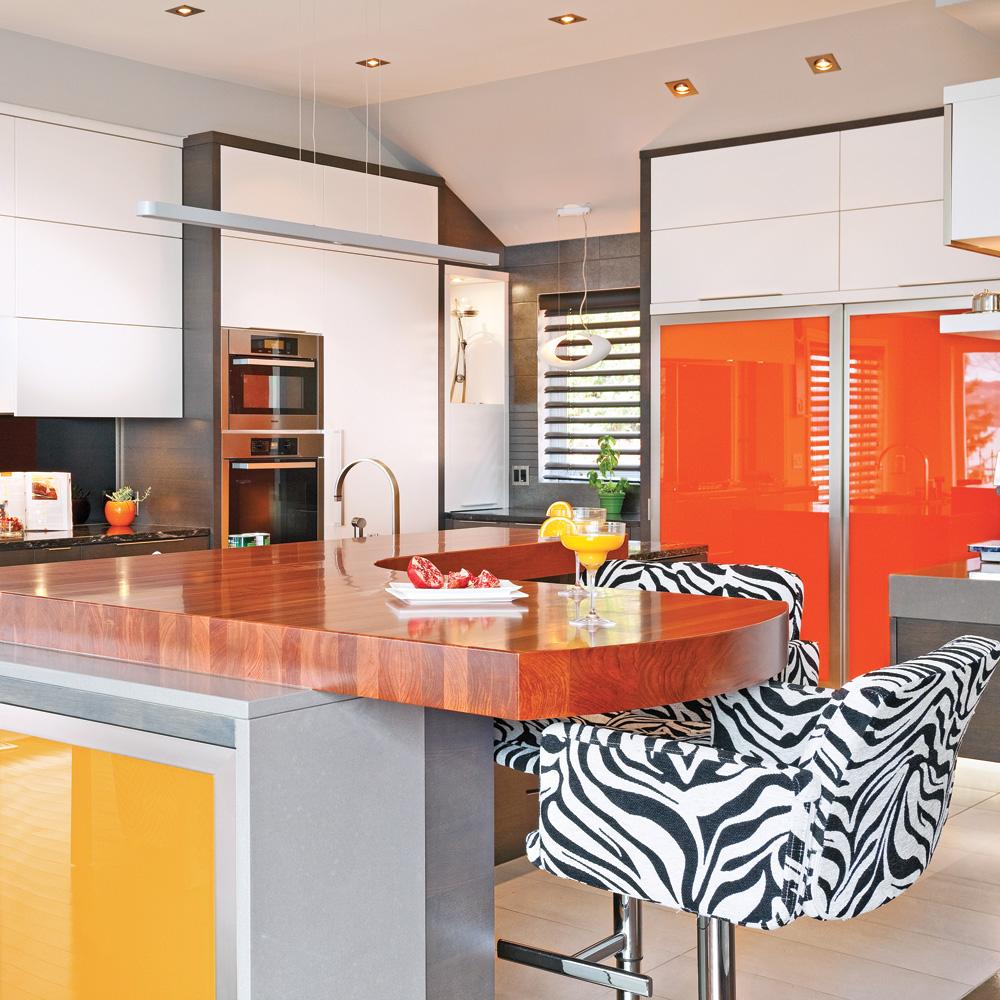 Color block la cuisine cuisine inspirations for Cuisine renovation deco