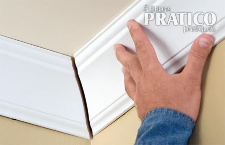 Comment poser les og es en tapes d coration et for Comment couper les plinthes en angle