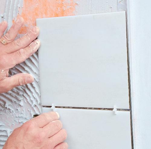 comment poser une douche en ceramique. Black Bedroom Furniture Sets. Home Design Ideas