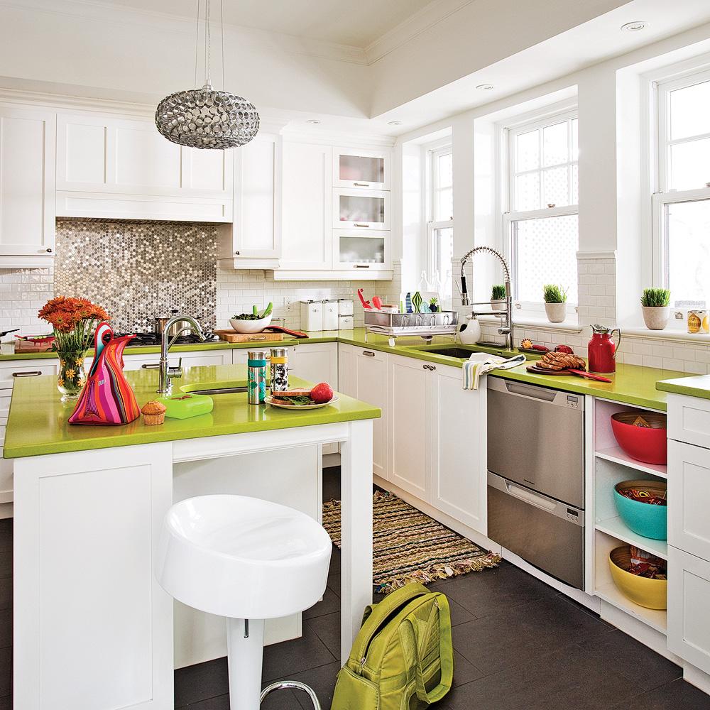 pratico-pratiques.com/uploads/images/deco/orig/cuisine-aux-punchs-de-couleur.jpeg