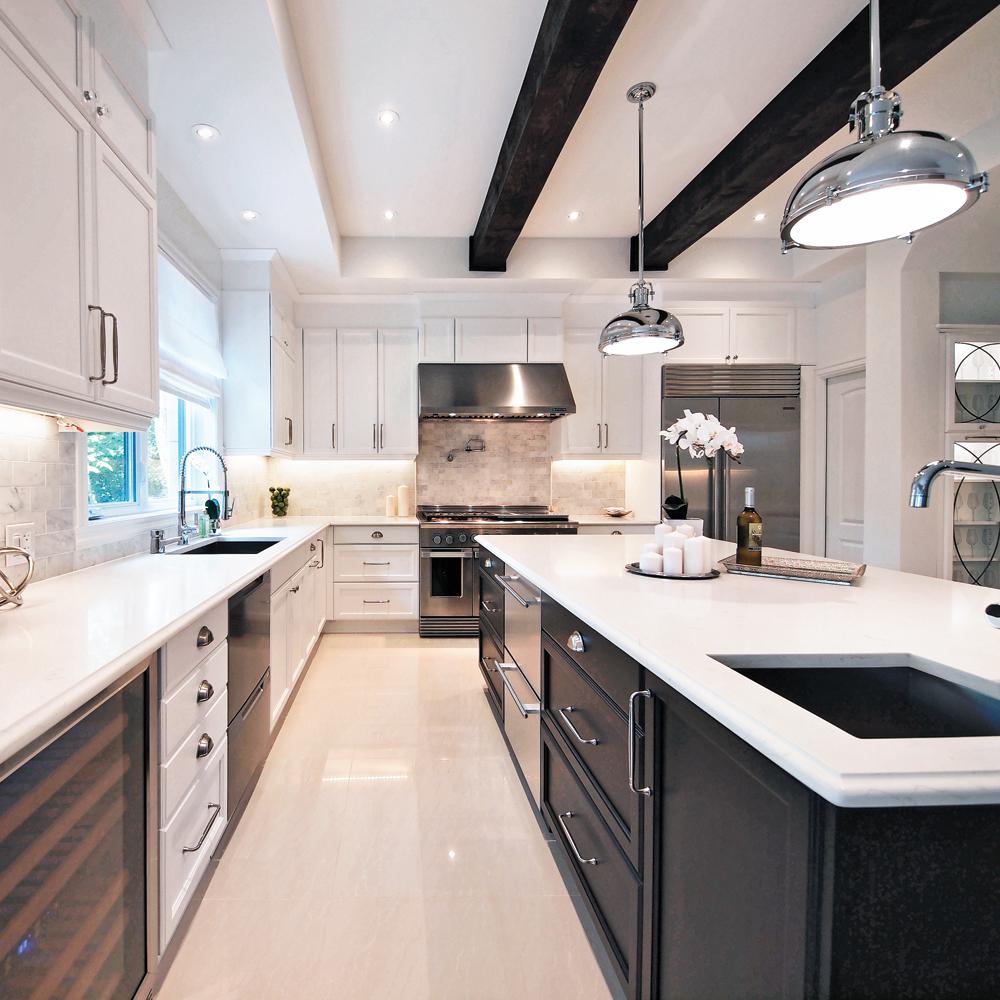 cuisine shabby chic en deux tons cuisine inspirations d coration et r novation pratico. Black Bedroom Furniture Sets. Home Design Ideas