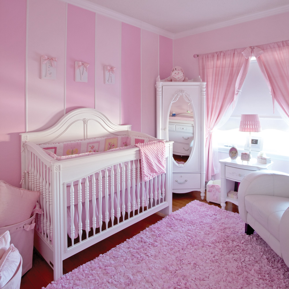 Deco gris et rose chambre fille for Decoration chambre de bebe fille