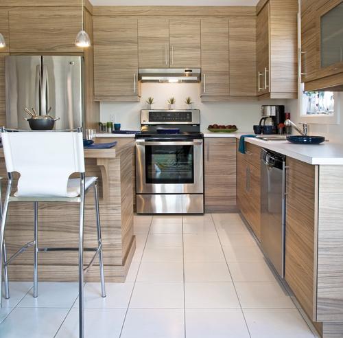 Des armoires de m lamine comme du bois cuisine for Armoire de cuisine excellence blainville