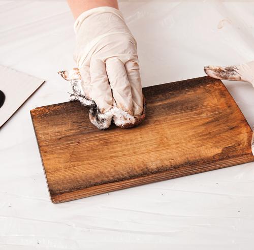 Diy un miroir effet bois de grange en tapes for Miroir bois de grange