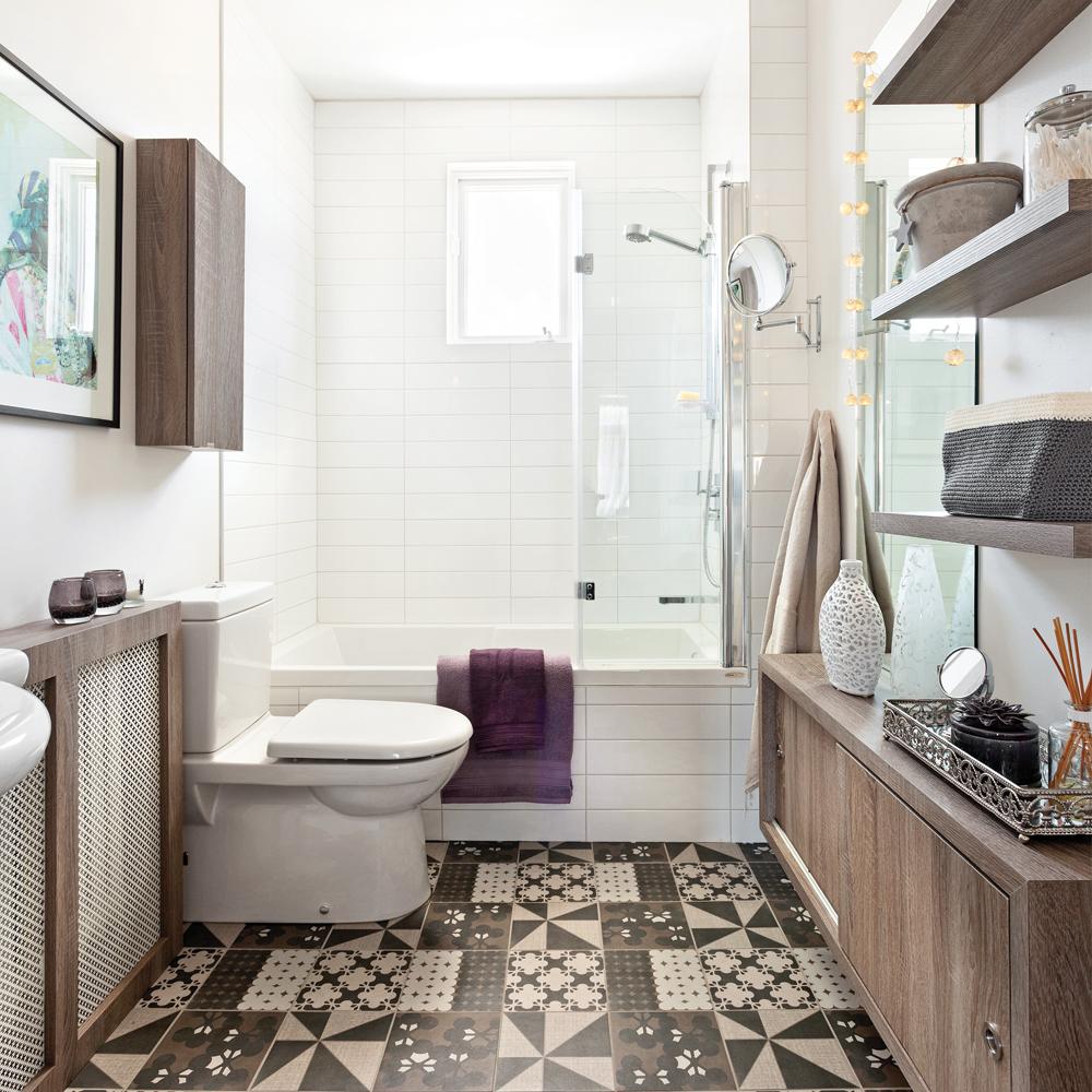 Effet de grandeur dans la salle de bain salle de bain - Relooking salle de bain avant apres ...