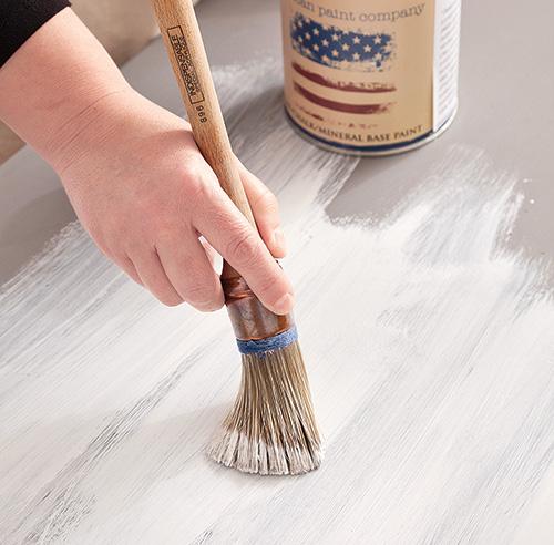 En tapes transformer une commode avec de la peinture - Peinture a la craie pour meuble ...