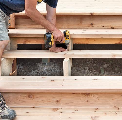 fabriquer un escalier de patio en tapes jardinage et