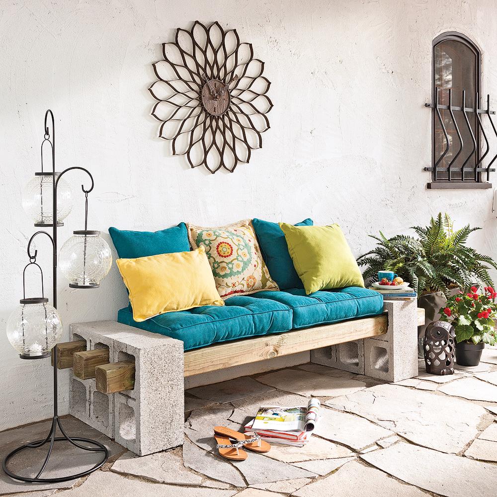 diy fabriquer une banquette sans outils pour la terrasse en tapes d coration et r novation. Black Bedroom Furniture Sets. Home Design Ideas