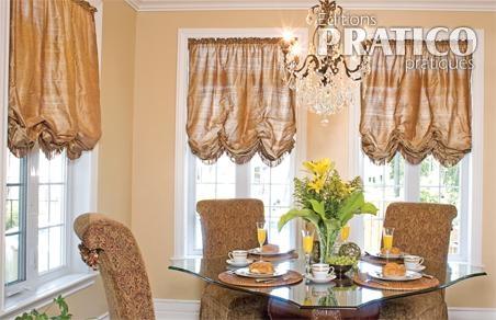 rideaux de style dans une salle manger luxueuse salle. Black Bedroom Furniture Sets. Home Design Ideas