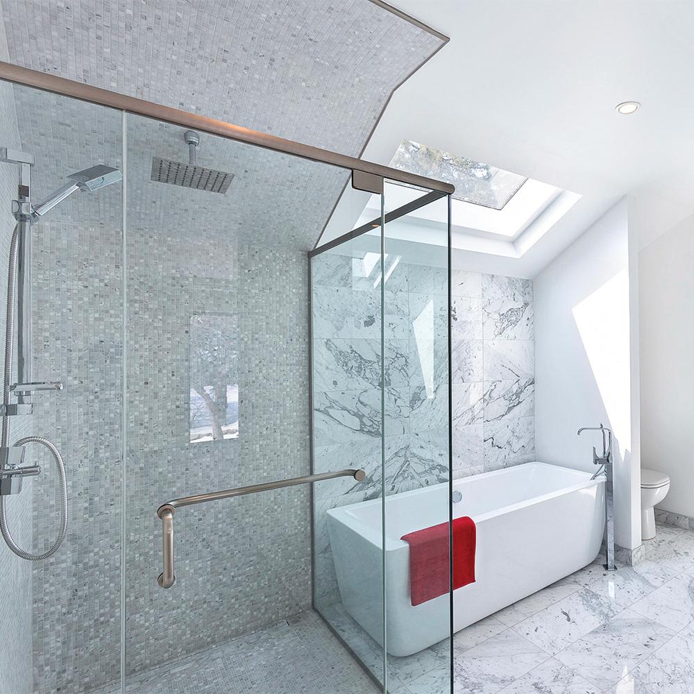 puits de lumi re dans la salle de bain salle de bain. Black Bedroom Furniture Sets. Home Design Ideas