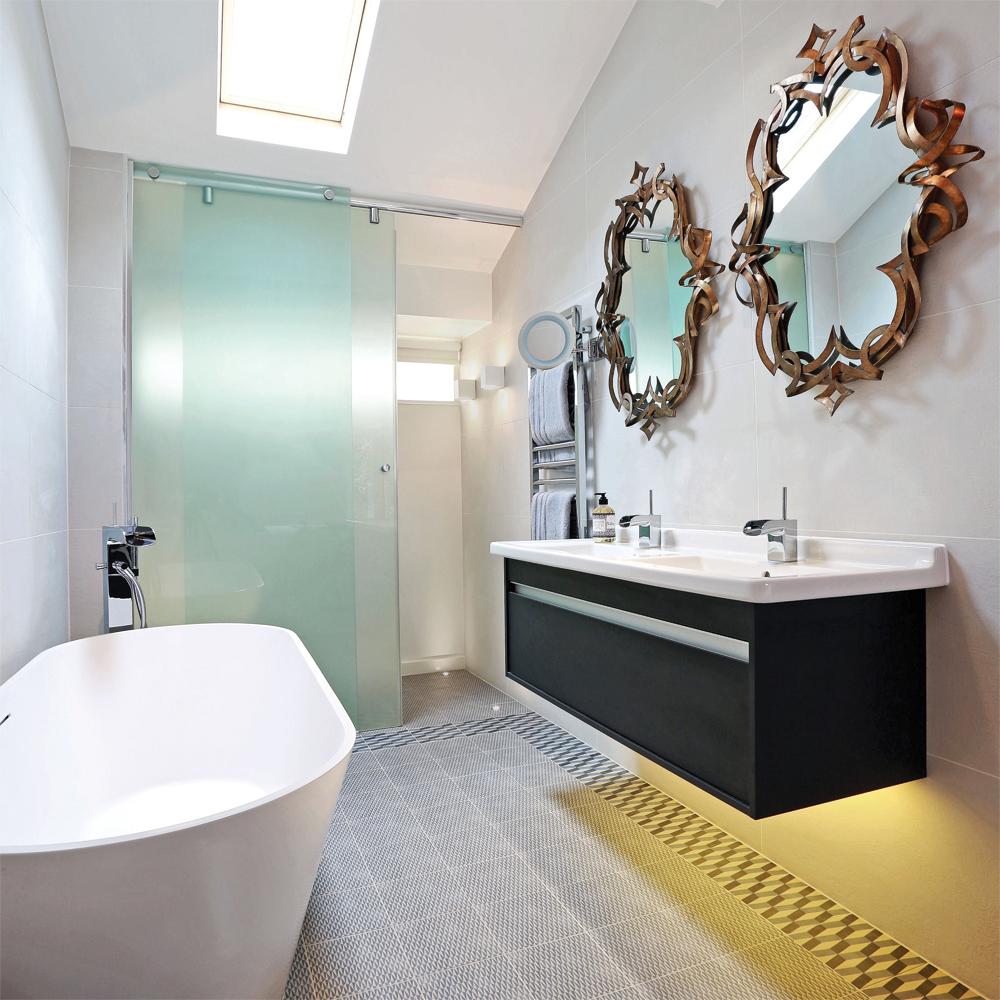 Miroir qui vole la vedette salle de bain inspirations for Miroir qui prend des photos