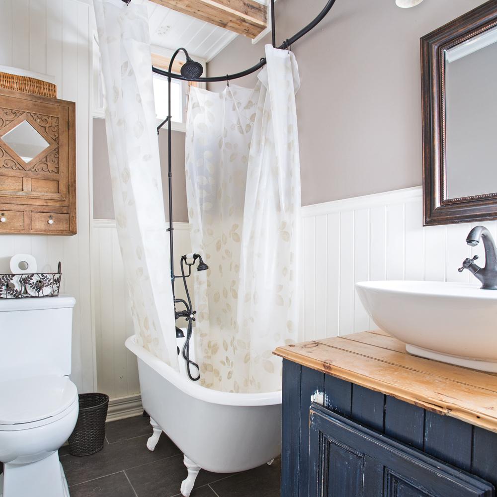 Petite salle de bain fonctionnelle salle de bain for Petite salle de bain pratique