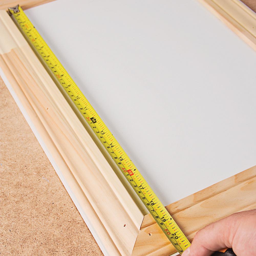 Poser du lambris sur des armoires de m lamine en tapes for Comment installer du lambris pvc