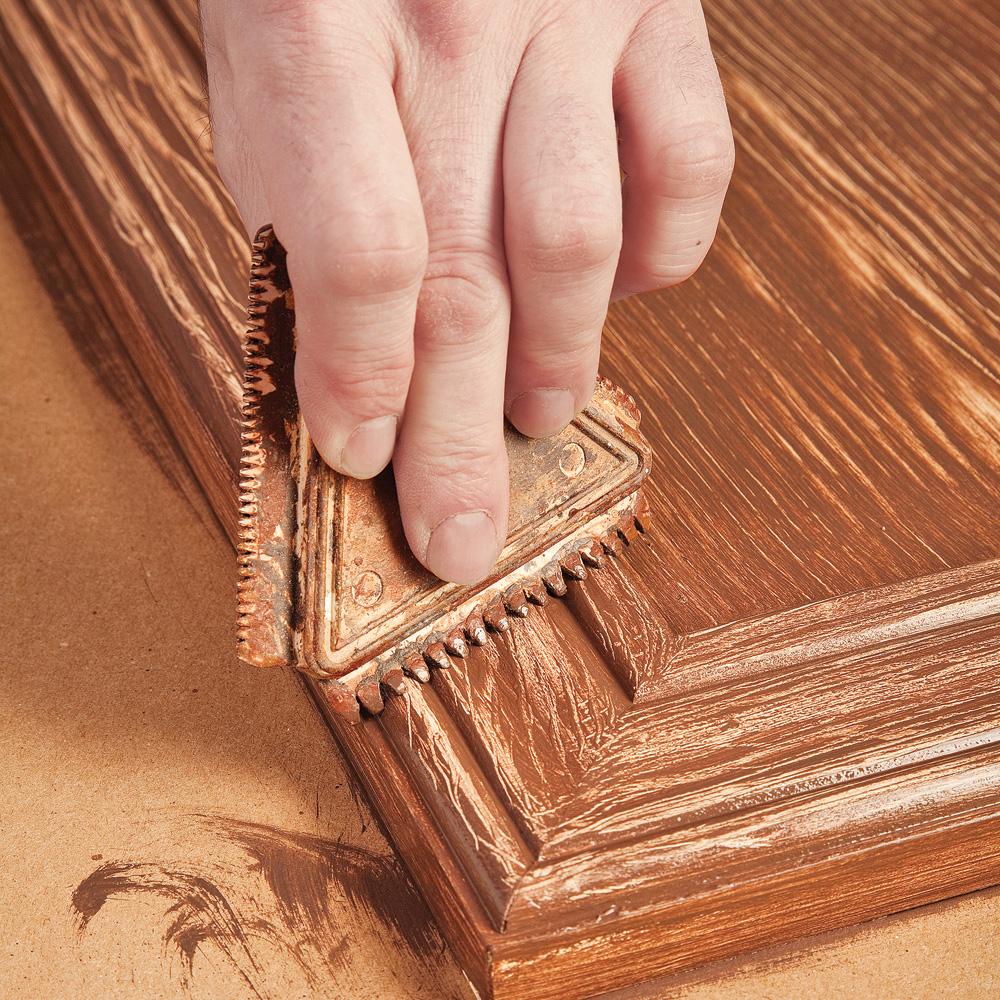 r aliser un faux fini bois sur une armoire de m lamine en tapes d coration et r novation. Black Bedroom Furniture Sets. Home Design Ideas