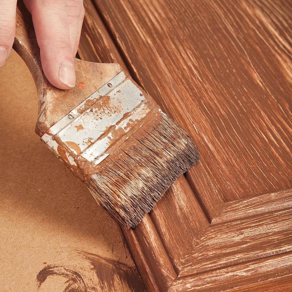 R aliser un faux fini bois sur une armoire de m lamine en tapes d corati - Peinture pour melamine ...