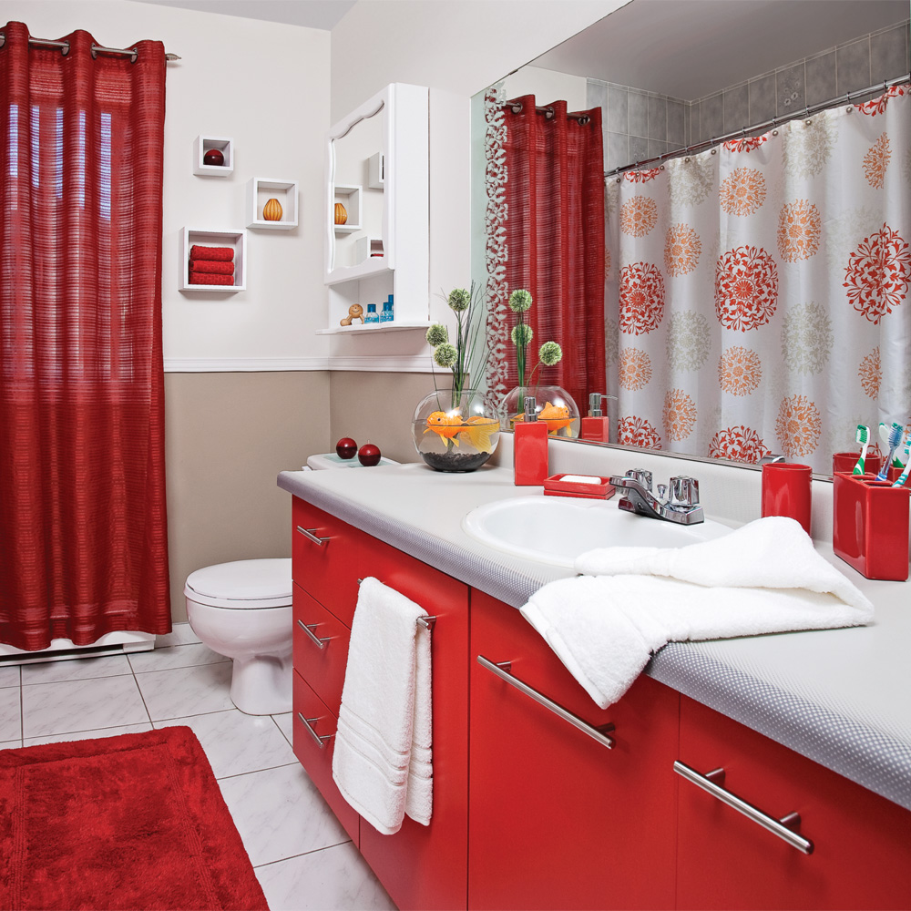 deco salle de bain gris et rouge. Black Bedroom Furniture Sets. Home Design Ideas