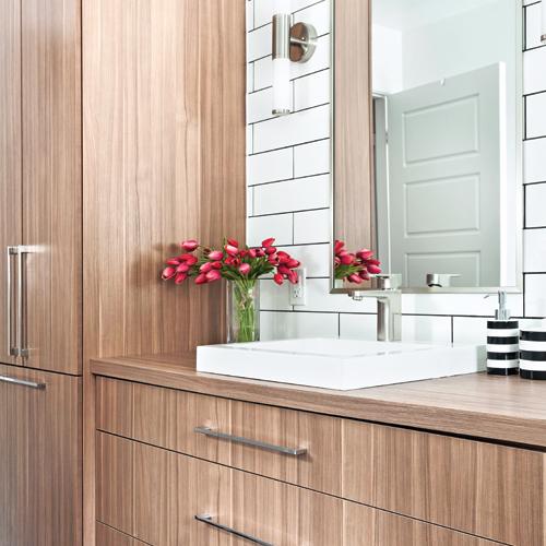 salle de bain tout en longueur salle de bain inspirations d coration et r novation. Black Bedroom Furniture Sets. Home Design Ideas
