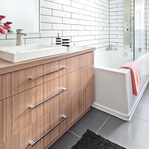 Salle de bain en longueur amazing ensemble meuble vasque - Agencement salle de bain en longueur ...