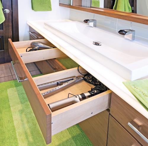 Salle de bain tout en longueur salle de bain avant - Comptoir des fers et metaux sa luxembourg ...