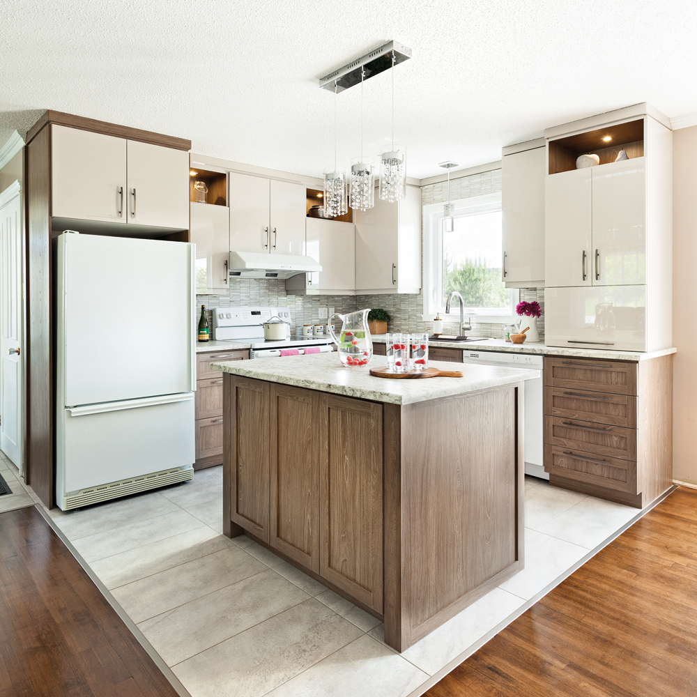 transfo lumineuse dans la cuisine cuisine avant apr s d coration et r novation pratico. Black Bedroom Furniture Sets. Home Design Ideas