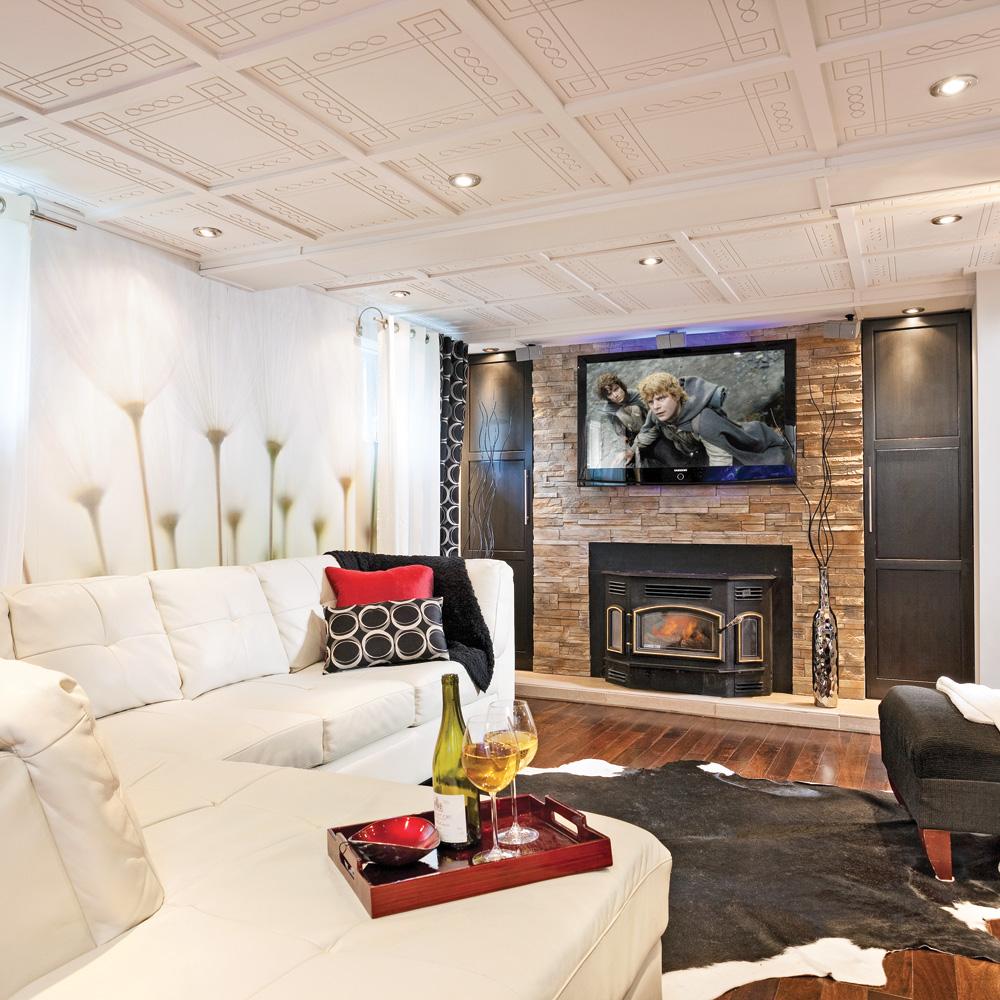 Un plafond motif au sous sol salon inspirations for Decoration plafond salon