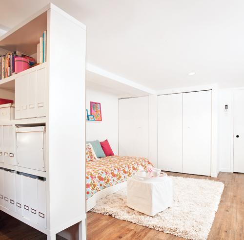 Une biblio cloison faite maison pour la chambre for Cloison separatrice