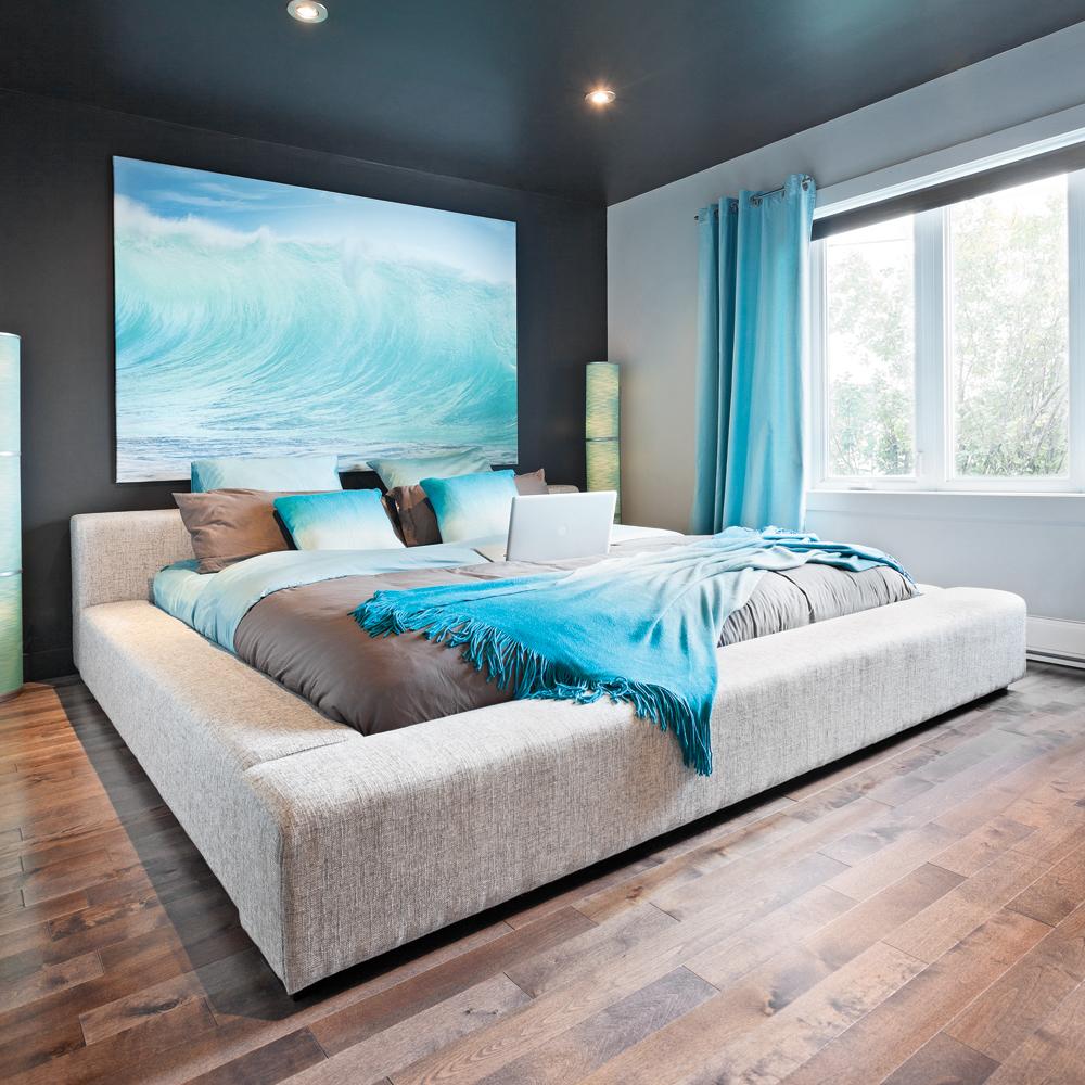 une chambre inspir e des d clinaisons de bleu chambre. Black Bedroom Furniture Sets. Home Design Ideas