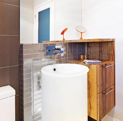 Une salle d 39 eau autour du lavabo salle de bain for Une salle d eau