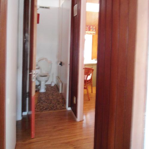 Relooking r ussi une salle d 39 eau b ton salle de bain for Difference salle d eau salle de bain