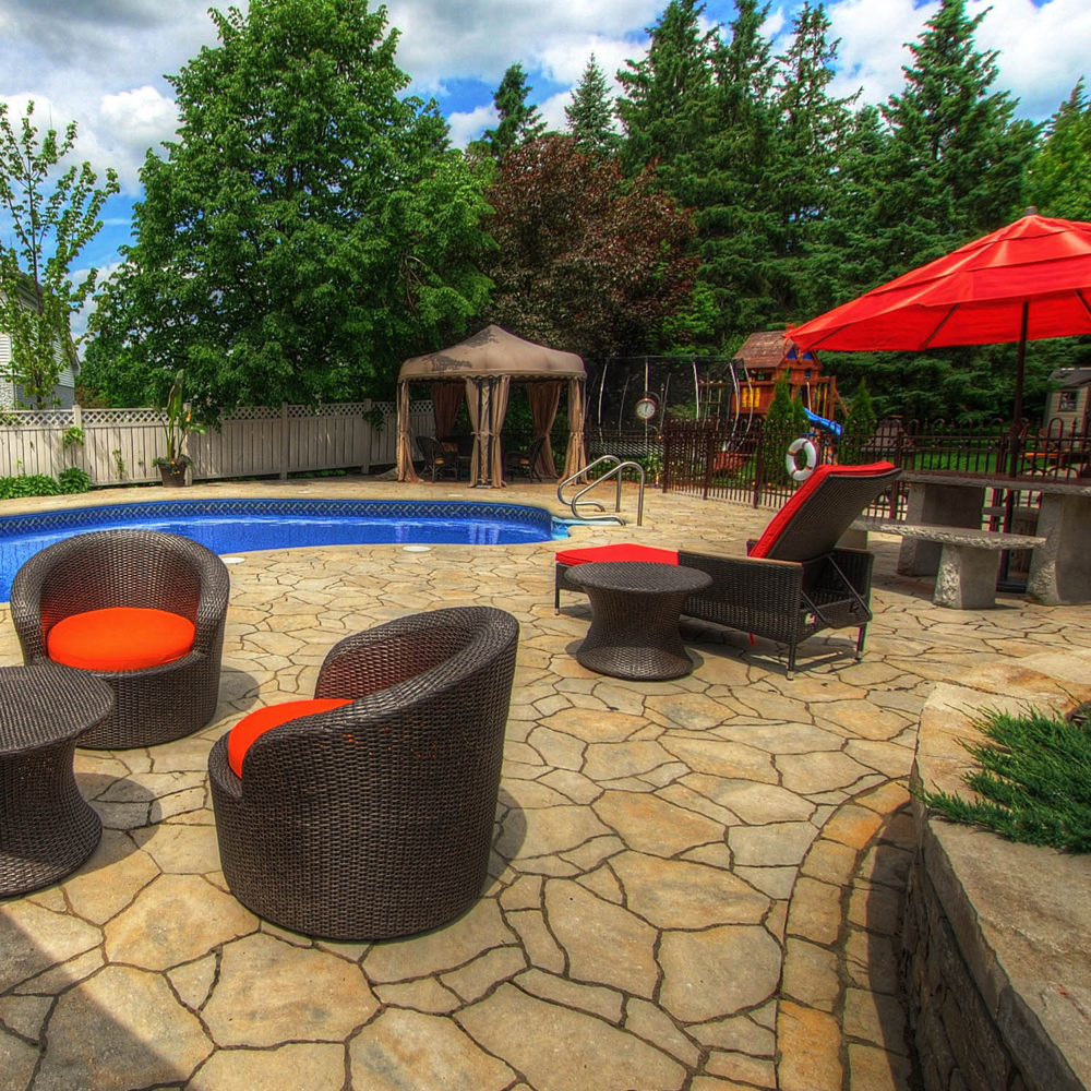 Autour de la piscine cour inspirations jardinage et for Autour de la piscine