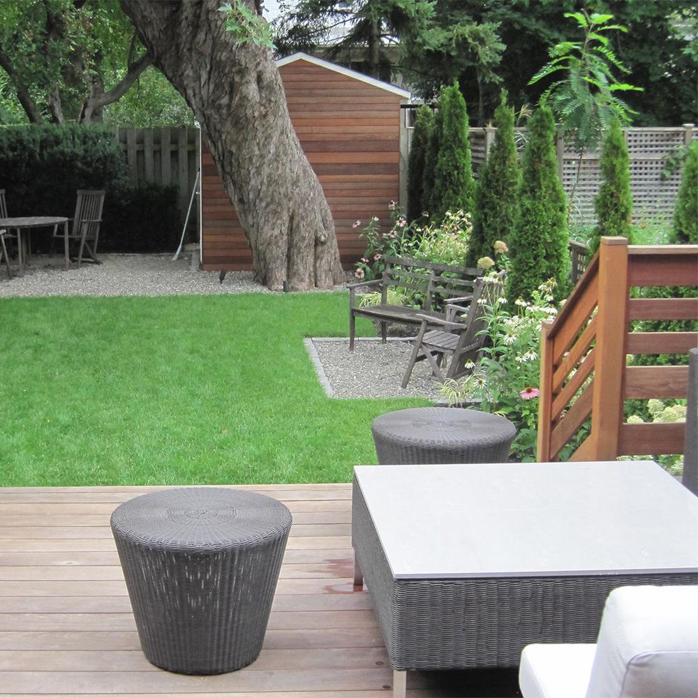 Bois v g taux et galets cour inspirations jardinage for Vegetaux exterieur