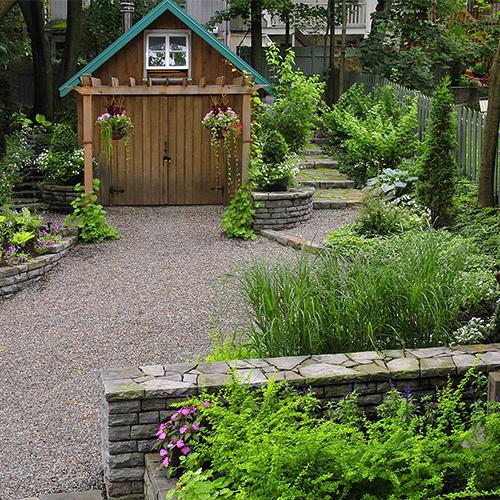 Camouflage de v g taux cour inspirations jardinage for Vegetaux exterieur
