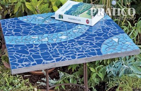 Comment faire une petite table bistro en mosa que en tapes jardinage et - Comment faire de la mosaique ...