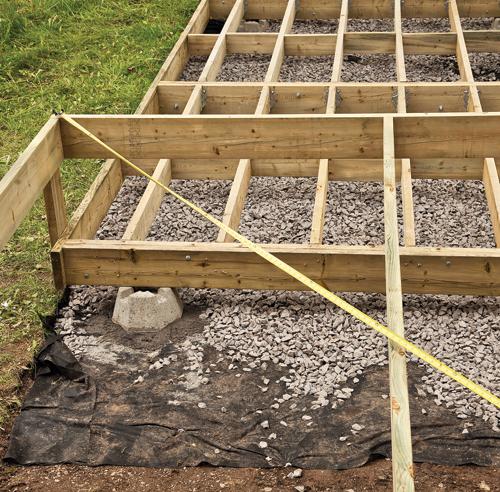 En tapes construire un patio facilement en tapes - Poteau beton 12x12 ...