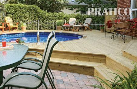 Deck de piscine en ville plans et patrons jardinage et for Plan pour patio de piscine