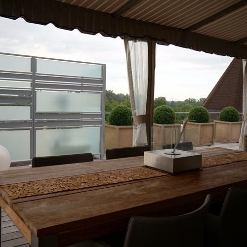 Espace g om trique sur le toit balcon inspirations for Recouvrement de balcon exterieur