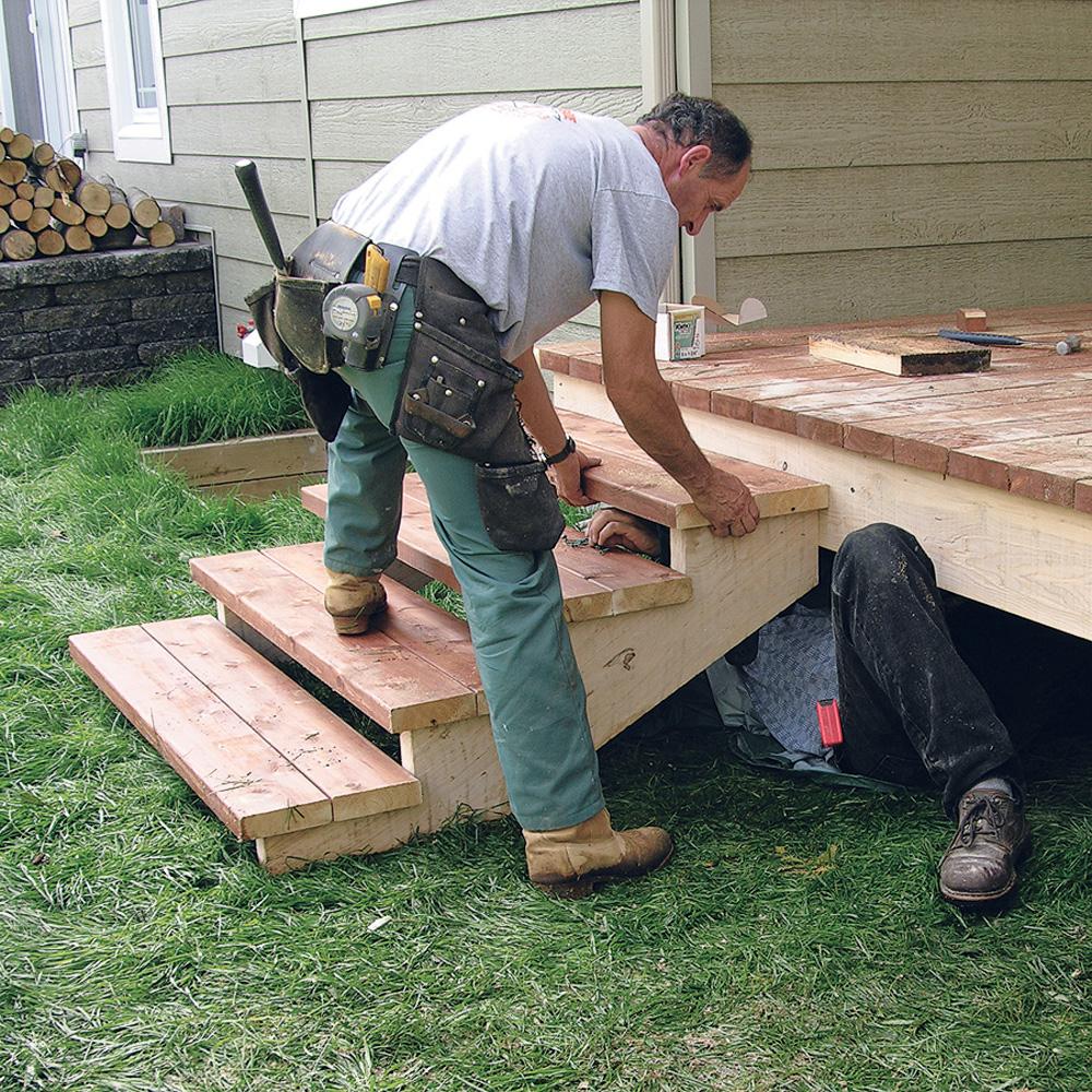 fabriquer escalier et garde corps pour le patio en. Black Bedroom Furniture Sets. Home Design Ideas